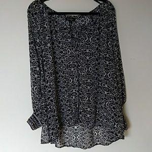Jessica Simpson 1X black white hi lo blouse